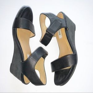 STEVE MADDEN Black Wedge Open-toed Shoes